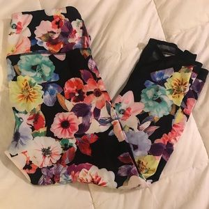 Old Navy Active Womens Capri Floral - Large